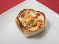19- Empanada de jamón, muzzarella y provolone