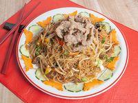 94 - Fideos de arroz con carne