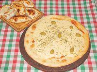 Promo - Pizza grande de muzzarella o fugazeta con muzzarella  + 6 empanadas