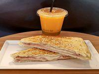 Promo - Exprimido de naranja + tostado de J&Q