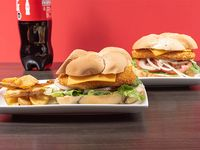Combo 5 - 2 sándwich de pollo apanado cheese o italianos + papas fritas + bebida 1.5 L