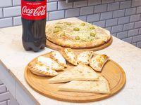 Promo - Pizza con muzzarella grande + 6 empanadas + 2 fainá + gaseosa línea Coca Cola 1.75 L