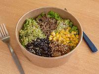 Bowl con carne mechada con ingredientes a elección + 1 salsa