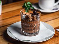 Copa Mousse de chocolate con frutos rojos y frutos secos