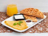 Huevos + Waffles de Yuca