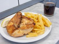 Promo - Pollo al horno con papas fritas + gaseosa Coca Cola en lata 354 ml