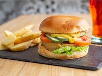 Burger falafel con papas rústicas