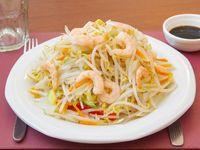 Chop-suey con camarones