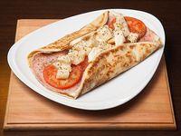 082 - Panqueque de jamón cocido, queso, tomate, palmitos y orégano