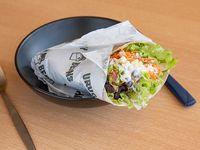 Burrito con Ingredientes a elección con base de arroz al cilantro y lechuga