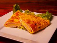 Omelette individual con jamón y muzzarella