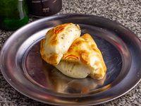 Empanada de queso al oreganato