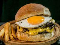 La huevona burger