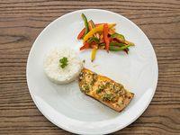 Salmon con jengibre y maracuyá