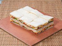 Bandeja de 18 Sandwiches olímpicos de copetin