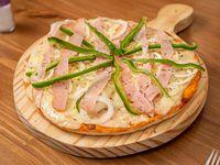 Pizza muzzarella con 3 gustos
