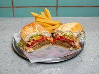 Sándwich de milanesa de ternera especial