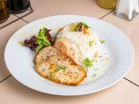 Pollo grillé + acompañamiento + ensalada mixta