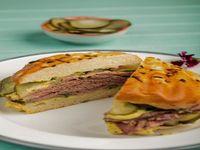 Sándwich de pastrami
