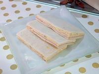 Sándwich triple de jamón, pavita y huevo (unidad)