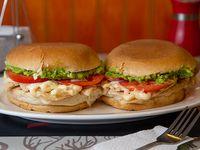Promo - 2 sándwiches de ave en pan frica