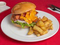 Chori burger con papas fritas