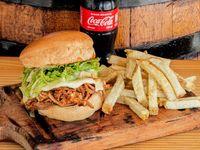 Pulled Pork Burger con Papas + Gaseosa