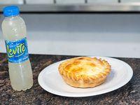 Promo 2 - Tarta de jamón y queso + agua saborizada Levite ananá 600 ml