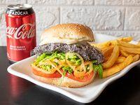 Combo - Agricultura land burger + Papas fritas + Bebida en lata 330 ml + helado artesanal 12onz