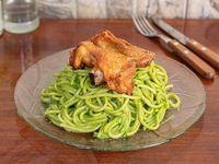 Menu sábado - Tallarines verdes con pollo + patasca + sopa de carne