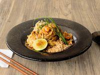 Pad Thai de Pollo y Camarón