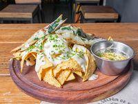 Nachos con queso provolone
