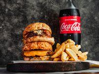 Promo. Dos burgers a elección con papas fritas refresco línea Coca Cola 1.5 L