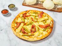 Pizza queso brie con espárragos