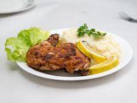 Muslo de pollo con puré
