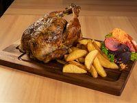Un pollo a las Brasas