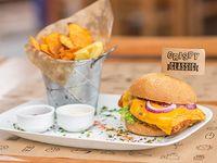 Burger Crispy Classic con guarnición