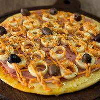 Pizza con palmitos y jamón grandes