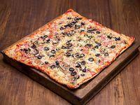 Pizza caprichosa + bebida 1.5 L