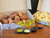Box - Nuggets (16 unidades) + patitas (6 unidades) + papas fritas (1/2 kg) + 4 salsas