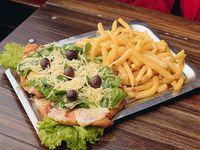 11 - Pizzanesa con rúcula, parmesano y papas fritas