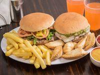 Promo 2 - 2 churrascos para dos personas + papas + empanadas de queso (6 unidades) + 2 bebidas en lata 355 ml