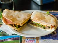 Sándwich de lomito La Pizzada