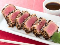 023 - Tataki de atún rojo y sésamo (10 unidades)
