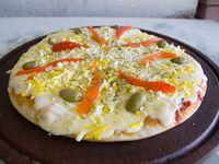 Pizza con muzzarella y huevo
