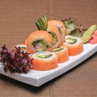 031 - Sake mix roll (9 piezas)
