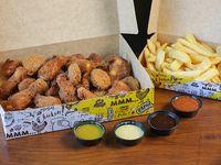 Box - Nuggets (16 unidades) + alitas (12 unidades) + papas fritas (1/2 kg) + 4 salsas