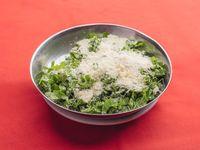Ensalada de rúcula y queso