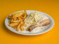 Pata-muslo de pollo al roquefort con guarnición