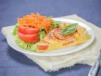 Combinado - Torta a elección + ensalada de lechuga, tomate y zanahoria